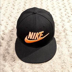 Men's Nike True Limitless SnapBack Like new!